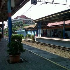 Photo taken at Stasiun Pondok Cina by W. H. on 6/9/2013
