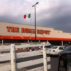 Photo taken at The Home Depot by Ernesto G. on 11/20/2013