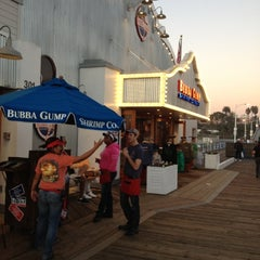 Photo taken at Bubba Gump Shrimp Co. by Alex S. on 12/11/2012