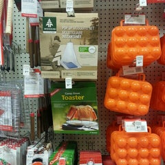 Photo taken at Canadian Tire by T K. on 10/13/2015