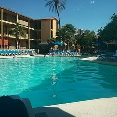 Photo taken at Embassy Suites by Hilton Palm Desert by Ryan W. on 4/11/2014