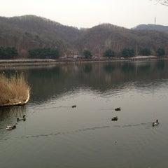 Photo taken at 율동공원 (Yuldong Park) by eunsori on 3/17/2013
