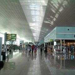 Photo taken at Aeroport de Barcelona-El Prat (BCN) by C D. on 7/29/2013
