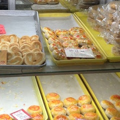 Photo taken at Eastern Bakery by Trinh N. on 5/25/2013
