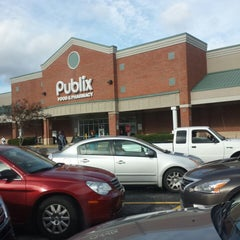 Photo taken at Publix by Marcus R. on 1/4/2015
