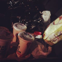 Photo taken at Carl's Jr. by Anissa S. on 11/14/2012
