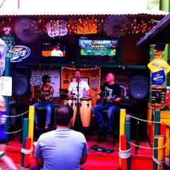 Photo taken at Dos Gringos by Rob M. on 7/14/2012