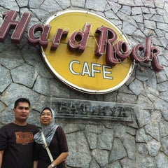 Photo taken at Hard Rock Cafe Pattaya by Hazmyr W. on 11/13/2012