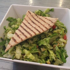 Photo taken at Chop't Creative Salad Company by Shuting G. on 7/25/2013