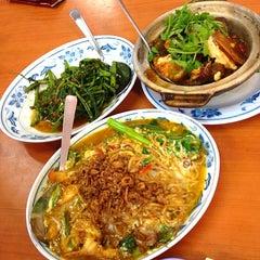 Photo taken at Kok Sen Restaurant by Sharon T. on 3/25/2013