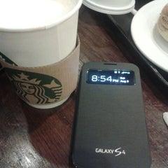 Photo taken at Starbucks Coffee by Nishreen Nicey E. on 8/3/2013
