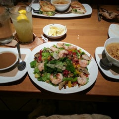 Photo taken at California Pizza Kitchen by Grinder L. on 5/30/2013