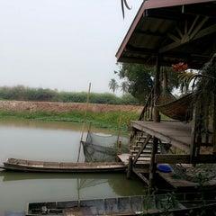 Photo taken at บ้านริมน้ำอันแสนสุข ^^ by A Ann B. on 4/11/2013