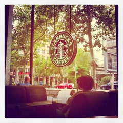 Photo taken at Starbucks Coffee by Álvaro R. on 9/29/2012