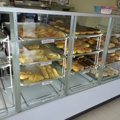 Photo taken at Susan's Donuts by Lúcia F. on 12/13/2013