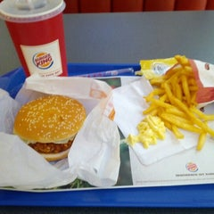 Photo taken at Burger King by Jochen W. on 11/6/2012