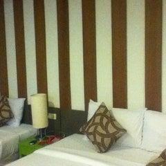 Photo taken at Windmill Resort Hotel (โรงแรม วินด์มิลล์ รีสอร์ท) by Алина К. on 7/1/2013