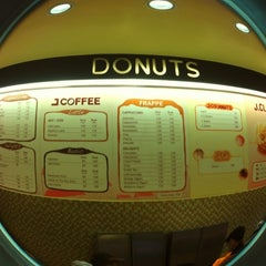 Photo taken at J.CO Donuts & Coffee by ijdThemedina on 2/20/2013