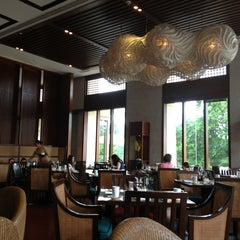 Photo taken at Vintana, Shangri-La's Boracay Resort & Spa by Geraldine M. on 7/6/2013
