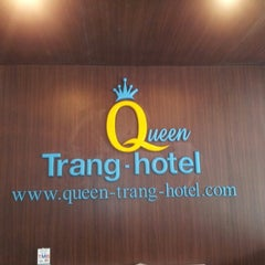 Photo taken at S2S Queen's Trang Hotel by Beer C. on 9/21/2012