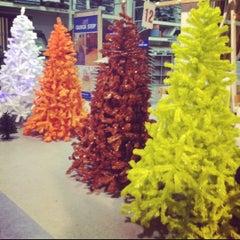 Photo taken at Hubo Market by Eva N. on 12/15/2012