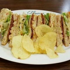 Photo taken at O'Briens Irish Sandwich Bar by Derick W. on 7/26/2015