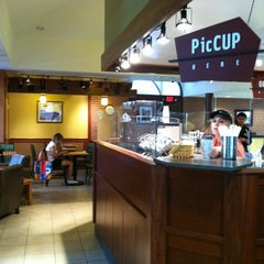 Photo taken at Caribou Coffee by Ashleigh R. on 8/3/2011