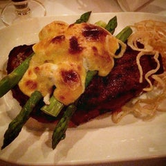 Photo taken at Delmonico's Restaurant Steak House Grill by Ricardo M. on 6/5/2015