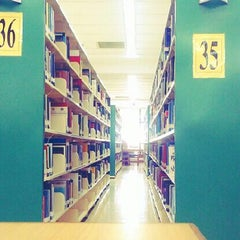 Photo taken at IIUM Darul Hikmah Library by Azimudin M. on 6/18/2013