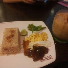 Photo taken at Black Canyon (แบล็คแคนยอน) by Peerasit R. on 12/2/2013