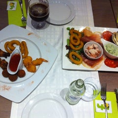 Photo taken at Manjefiek Brasserie by Sarah B. on 7/10/2013