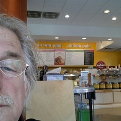 Photo taken at Au Bon Pain by Frans B. on 3/26/2014