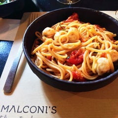 Photo taken at Malconi's by John🇬🇷 S. on 2/25/2015