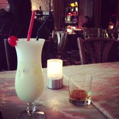 Photo taken at Peak Café & Bar 山頂餐廳酒吧 by Oksana R. on 5/5/2013