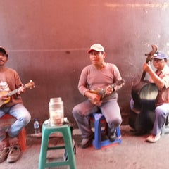 Photo taken at Sate Keroncong Jatinegara by WillWins on 9/24/2013