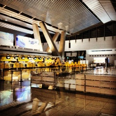 Photo taken at Ninoy Aquino International Airport (MNL) Terminal 3 by Yani R. on 6/22/2013