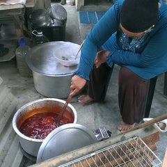 Photo taken at Kampung Parit Bilal by Shahrin H. on 9/1/2014