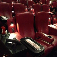 Photo taken at AMC Dine-In Theatres Menlo Park 12 by Johnny W. on 5/12/2013