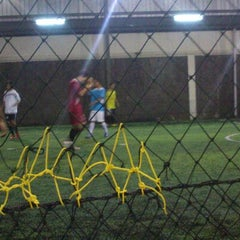 Photo taken at Lampung Futsal by Rizki F. on 1/22/2014