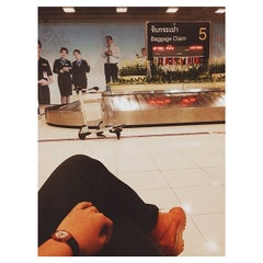 Photo taken at Baggage Claim 5 by Zeriie A. on 6/2/2014