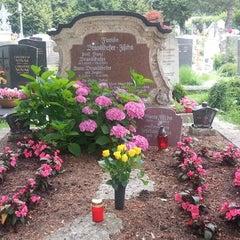 Photo taken at Kommunalfriedhof by Gitti J. on 7/11/2013