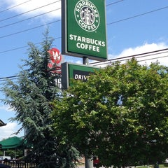 Photo taken at Starbucks by Chip T. on 5/12/2013