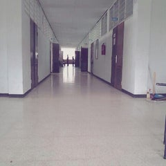 Photo taken at Universitas Hang Tuah by Andre P. on 6/17/2013