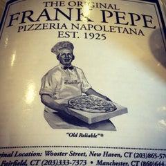 Photo taken at Frank Pepe Pizzeria Napoletana by Ken P. on 1/2/2016