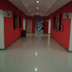 Photo taken at Cinemex Los Pinos by Angy C. on 7/11/2013