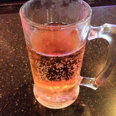 Photo taken at HotShots Sports Bar and Grill O'Fallon, IL by K2 !. on 6/19/2014