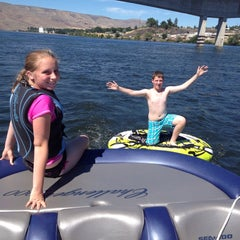 Photo taken at Snake River, Mouth Of The Hells Canyon by Bart R. on 7/1/2014