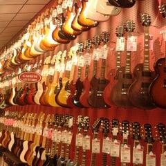 Photo taken at Guitar Center by Yaritza M. on 8/28/2013