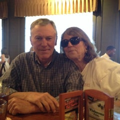Photo taken at Cracker Barrel Old Country Store by Marilyn P. on 1/26/2014