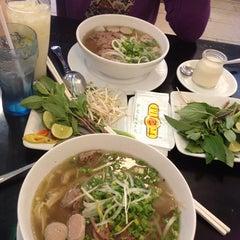Photo taken at Phở 24 @ Vincom Center B by Zizi N. on 5/2/2014
